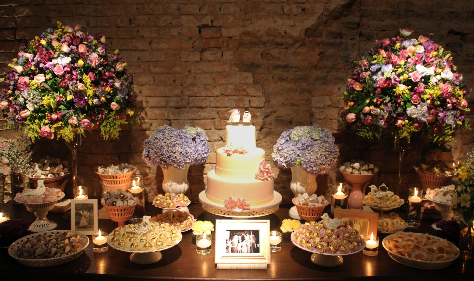 Como decorar a mesa de doces para casamento fast life fast life - Mesas de pared ...