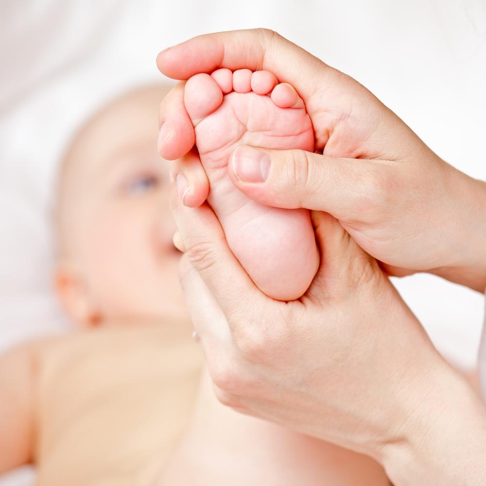 massagem no bebê